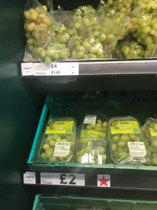"grapes ""loose"" in plastic and grapes packaged"
